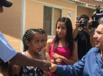 Ecuador: Presidente Moreno reafirmó su compromiso de construir 325.000 viviendas