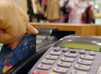 Hondureños pagan los intereses más altos de la región por uso de dinero plástico