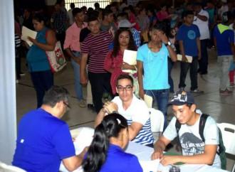 21 empresas ofertaron vacantes en Feria Laboral en Veraguas