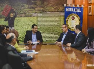 MITRADEL ratifica convención colectiva de trabajadores del sector pesquero