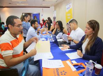 Personas con Discapacidad participaron en feria de empleo del sector bancario y financiero
