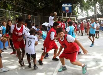 Procter & Gamble y United Way Panamá restauran cancha multiuso en Centro Cultural Boca La Caja