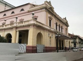 Avanzan los trabajos de remodelación del Teatro Nacional de Panamá