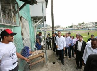 Familias de El Chorrillo recibieron viviendas de mano delPresidente Varela