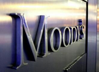 Calificadora Moody's mejora perspectiva de bancos colombianos