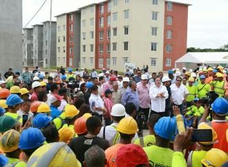 Gobierno beneficia a familias veragüenses con nuevas viviendas e infraestructura vial