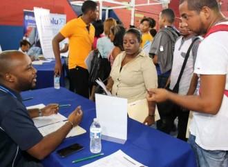 Juventud y Mujeres destacaron participación en feria de empleo en Colón