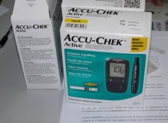 Pacientes diabéticos del J.J. Vallarino reciben glucómetro para control de la enfermedad