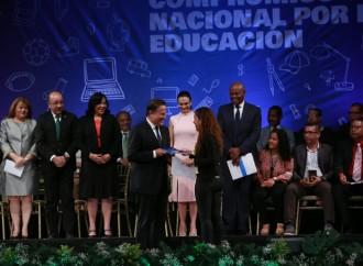 Gobierno y gremios establecen políticas para fortalecer el sistema educativo panameño