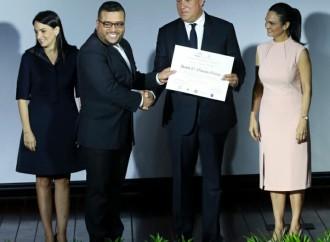 Presidente Varela: Nuevos miembros de la carrera diplomática deben defender intereses del Estado