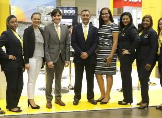 Amarilo asesora a participantes de la Feria Convivienda 2017
