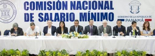 Ministro Carles exhorta al diálogo y consenso en revisión de salario mínimo