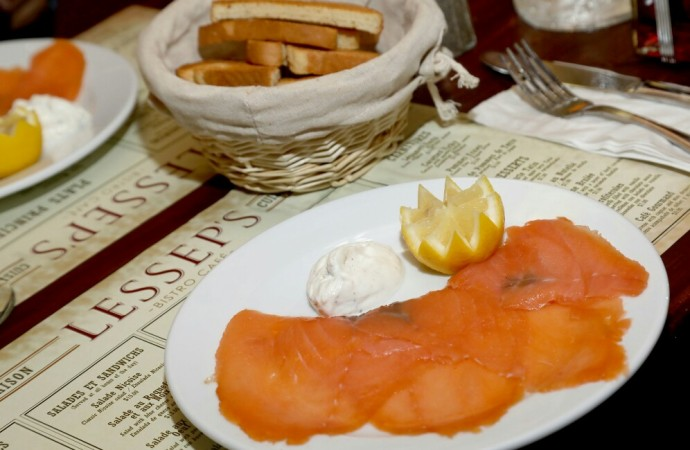 Con alegría y celebración, Lessep's Bistro Café en Casco Antiguo, abrió sus puertas para todo el público