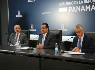 Ministro Carles exhortó al dialogo en negociaciones con docentes de difícil acceso