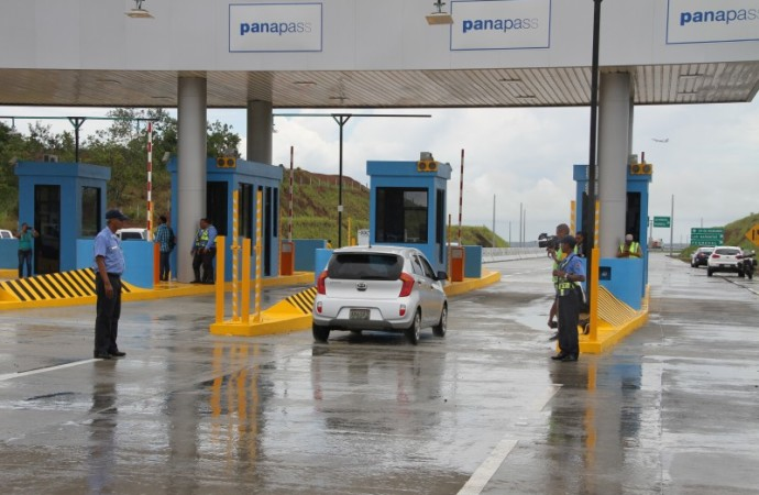 Sanciones por insuficiencia de saldo en los dispositivos de recarga en las autopistas y corredores en primer lugar de multas impuestas por la ATTT