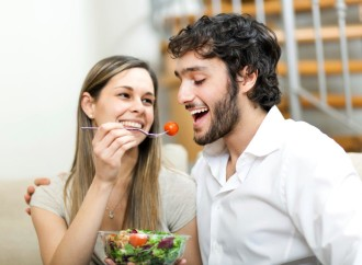Una buena nutrición acompañada de una vida activa es clave para mantener la salud del corazón