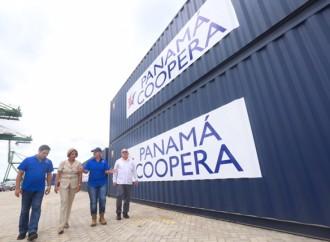 Primera Dama entrega contenedores con ayuda humanitaria para afectados por Huracán Irma en Cuba