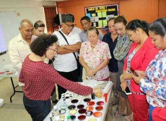La SENACYT realiza taller para la enseñanza en ciencia a maestros de grado