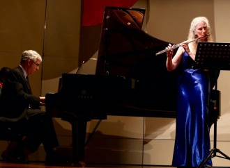 Concierto de Flauta y Piano interpretado por Alexa Still y James Howsmon