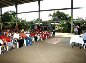 Autoridades entregan Orden de Proceder para construir Complejo Deportivo en Las Mañanitas