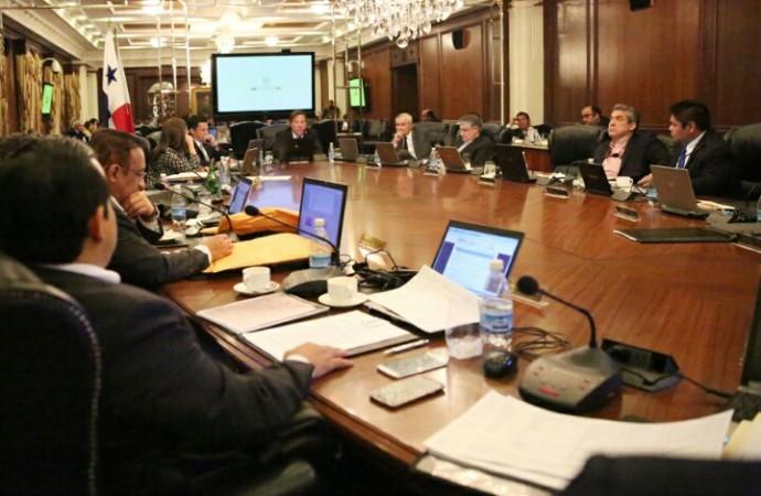 Gabinete aprueba proyectos de ley general de adopciones y sistemas de acogimiento
