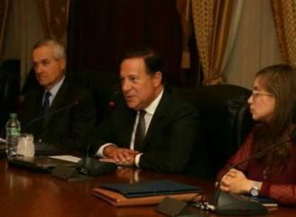 Presidente Varela reitera a miembros de la SIP su apoyo a la libertad de prensa en Panamá