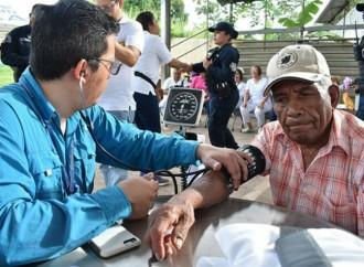 Panameños participaron masivamente en Feria de Salud en el mes del Corazón