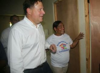 Presidente Varela entrega llave de su nueva vivienda a 173 familias de Burunga