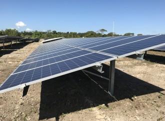 Fundación Trenco dona un sistema de energía solar al Biomuseo