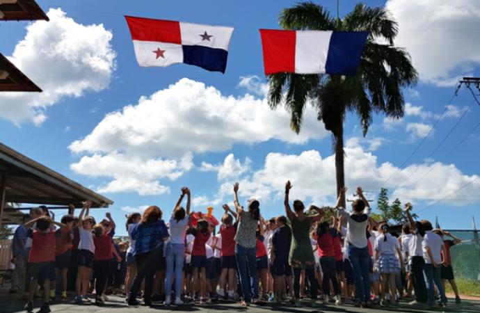 Colegio Liceo Francés Paul Gauguin realiza un tributo a Panamá, Francia y 43 nacionalidades durante la Semana de las Banderas
