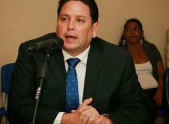 Ni privatización ni aumento de tarifas señaló el Director del IDAAN