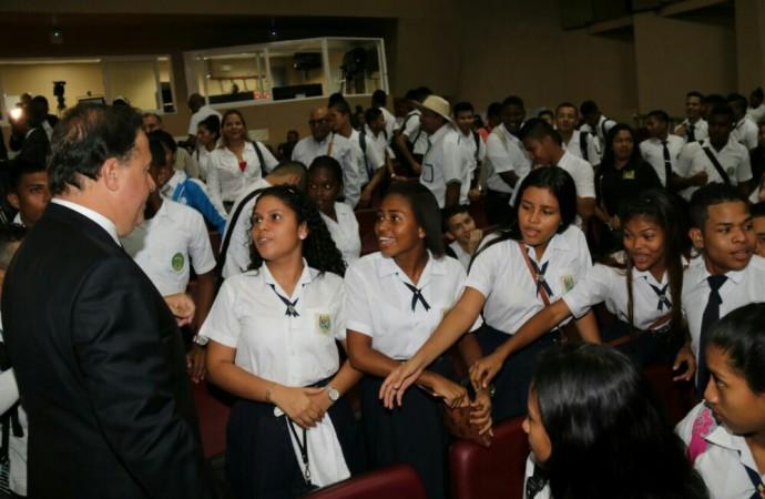 Gobierno consolida el modelo de educación técnica con sanción de la ley del ITSE