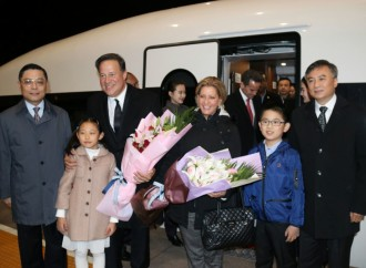 China respalda a Panamá en iniciativa de un sistema de transporte ferroviario