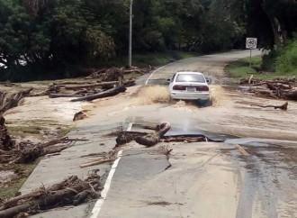 Especialistas del MOP evalúan daños en vías de Barú y Gualaca
