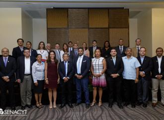 SENACYT hizo entrega de membresías a miembros del Sistema Nacional de Investigación