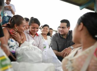 Ministro Carles resalta alta productividad de mujeres bananeras