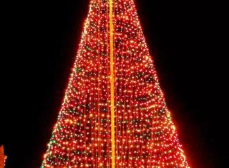 Comunidad de El Cristo de Aguadulce inició la navidad con el encendido del árbol más grande de Centroamérica