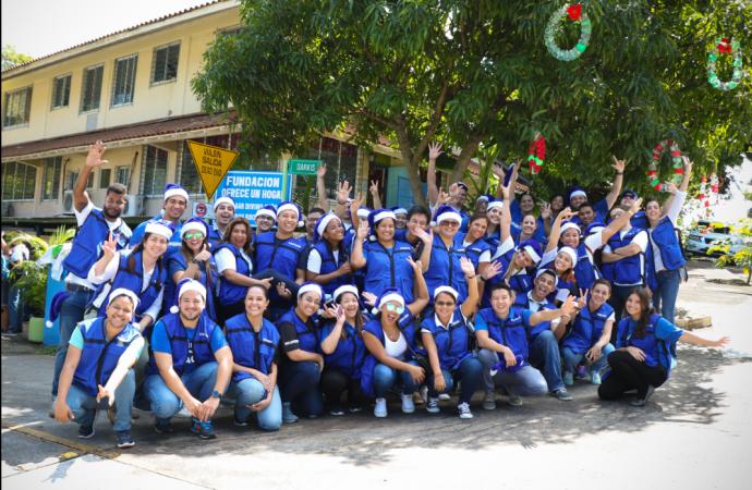 Samsung trae la alegría de la Navidad a los niños de la Fundación Hogar Divino Niño