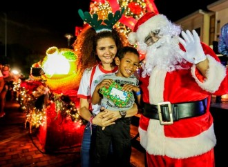 Panamá Pacífico iluminó el Árbol de Navidad