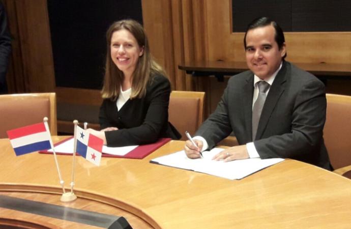 Panamá y Holanda acuerdan cooperación en logística, agricultura, ganadería y agrologística