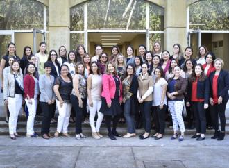 INCAE y Mastercard apoyan a 40 Emprendedoras Centroaméricanas para que fortalezcan su negocio