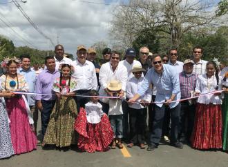 Gobierno entrega más de 110 kms. de carretera en Darién