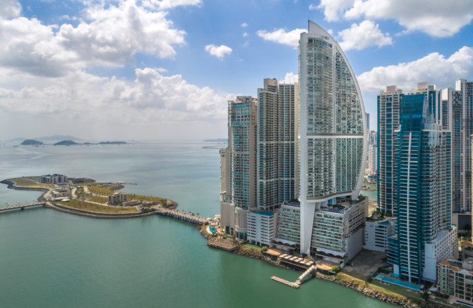 Trump International Hotel & Tower Panamá recibe el reconocimiento 2017 Guest Review Award de Booking.com
