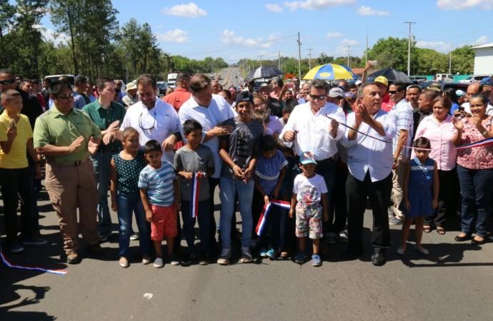 """""""Lo correcto fue proteger empleos y terminar las obras"""", afirmó presidente Varela al inaugurar nueva carretera Santiago-David"""