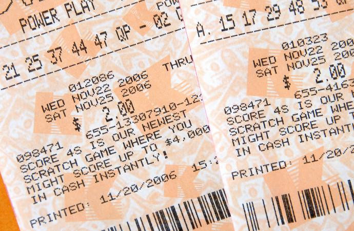 Caen mil millones de dólares en dos loterías de EEUU en 24 horas