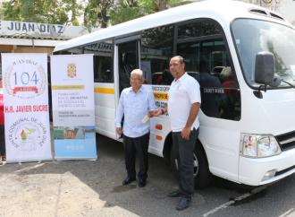 Junta Comunal de Juan Díaz recibe dos buses