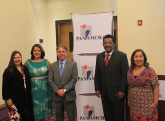 Ministro de Ambiente presenta visión público privada como base para el desarrollo sostenible de Panamá en Comité de AmCham