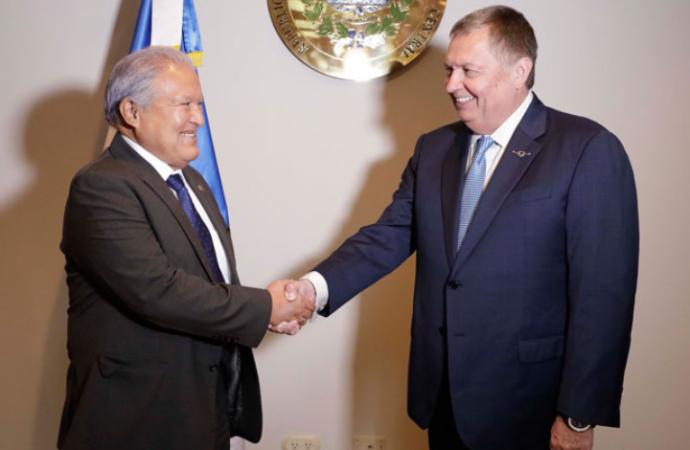 El Salvador y Avianca reafirman su alianza estratégica para fortalecer conexiones