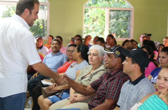 84 familias en Bugaba reciben llaves de sus nuevas viviendas a través del programa Techos de Esperanza
