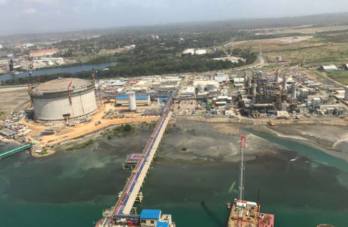 Primera planta de gas natural genera mil empleos permanentes en Colón